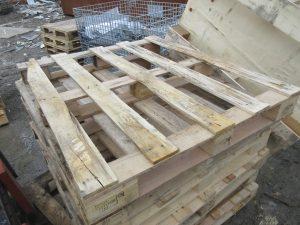 木製の中古パレット